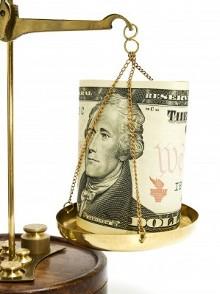 Доллар на весах