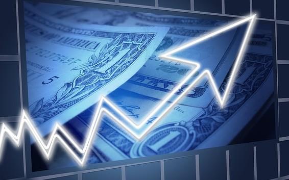 рост графика на фоне доллара